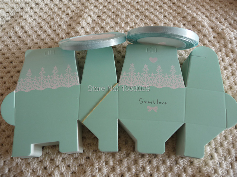 Free Shipping 100pcs/lot with 2rolls Free Ribbons Light Blue <font><b>Sweet</b></font> <font><b>Love</b></font> Paper Candy Box Wedding Favor Boxes Party Supplies Bags