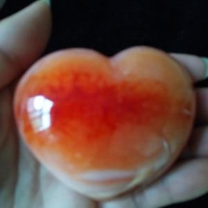 Image 4 - 1 قطعة الطبيعية الأحمر العقيق القلب النخيل ألعوبة hoime الديكور الأحجار بلورات استشفاء
