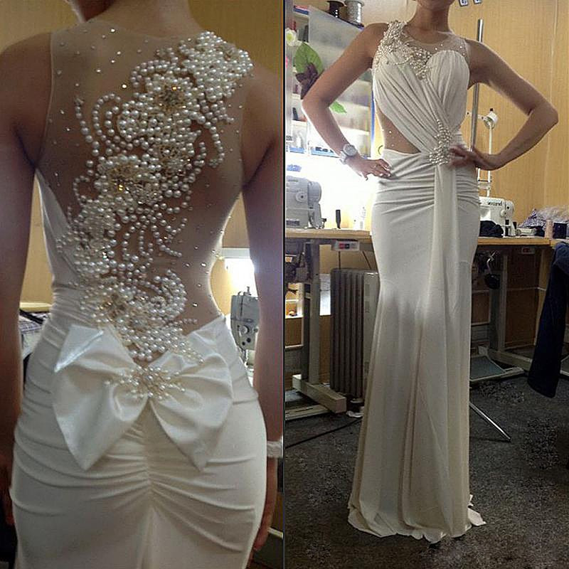 Amazing Pearls Illusion Long Evening Gown Bow Sheer Back Sleeveless Sexy Formal Occasion Mother Of The Bride Dresses