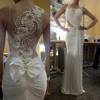 Amazing Pearls illusion Long Evening prom gown Bow Sheer Back Sleeveless Sexy Formal Occasion 2018 Mother of the Bride Dresses