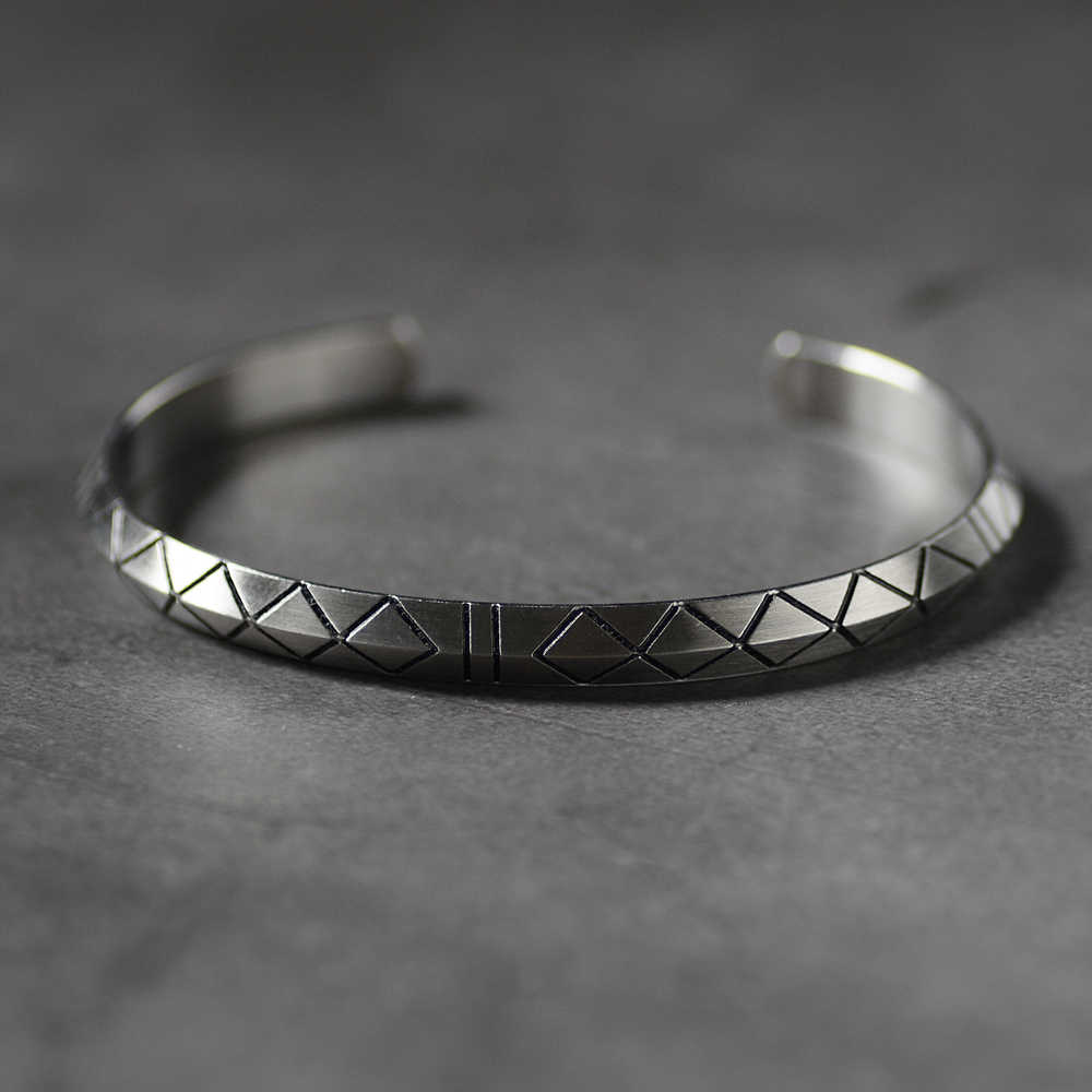 Retro Viking Cuff Bracelet Bangle for Men Women Pulseira Male with Vintage Silver Tone Titanium Steel Engraved Lines