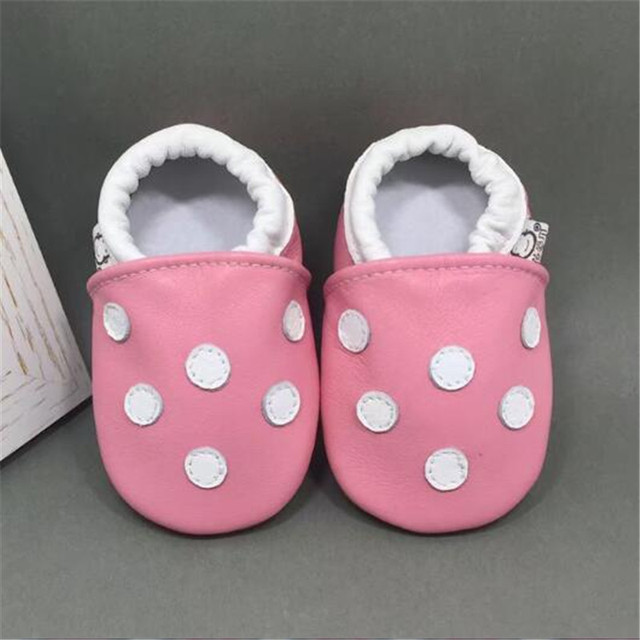 Cute Polka Dots Genuine Leather Baby Shoes Baby Moccasins Soft Infants Newborn Crib Shoes Sneakers First Walker madchen schuhe