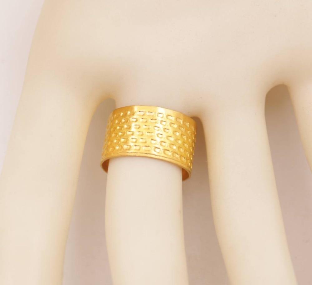 Купить с кэшбэком 10 PCS Golden Metal Thimble Adjustable Stitch Needle Hoop Ring