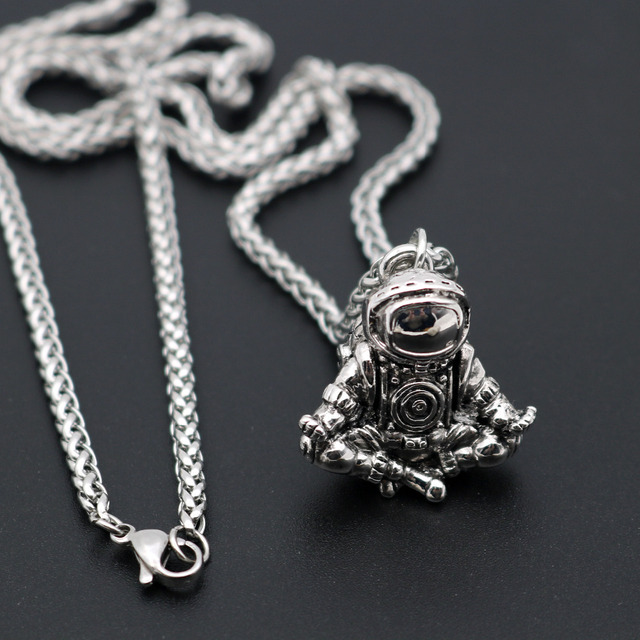 Astronaut Pendant Necklace Galaxy Universe Spaceman Meditation Trinket Retro Stainless Steel Chain Men Necklace 2