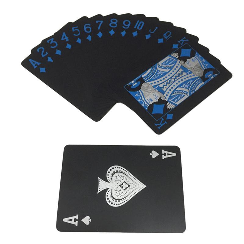 Nuevas cartas de juego negras impermeables, cartas de colección de póker de plástico, cartas creativas de valor, juegos de cartas de puente Cool Texas Holdem Caja de almacenamiento de plástico con contenedor de dinero, juguetes transparentes de pirata, caja del Tesoro de cristal de pirata para niños, figuras de Anime