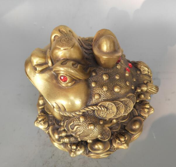 China Brass yuan bao gold toad wealth Statue.