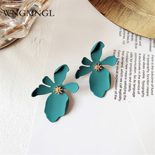 WNGMNGL 2018 New Korean Plant Resin Female Hyperbole Stud Earrings Small Fresh With Color Flowers Fashion Women Jewelry