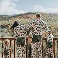 Novo 2016 Da Árvore de Natal Padrão de Pijama Família Mãe Pai Filho Roupas Macacão de Bebê Família Roupas Combinando Roupas Olhar Família