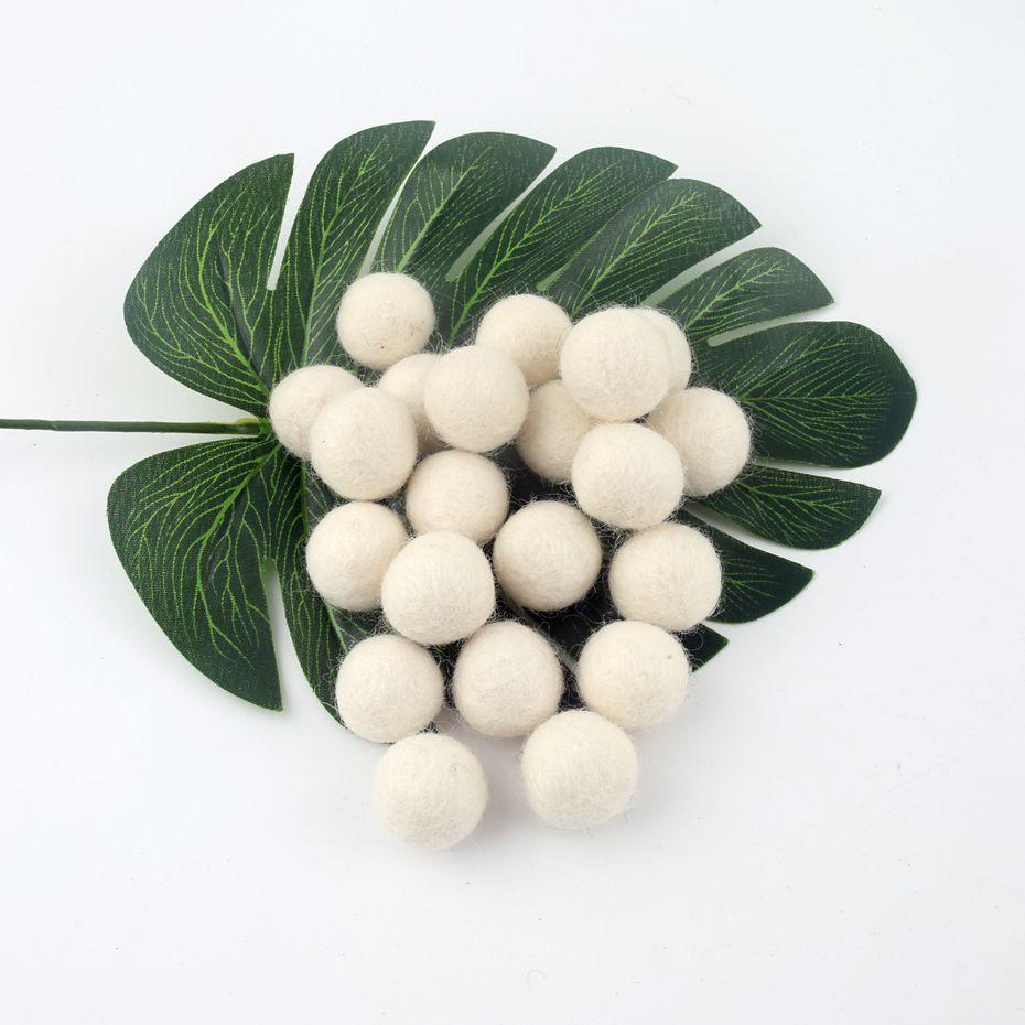 Felt Balls Snow White 200pcs 20mm 100 Wool Handmade wool felt ball diy Woven Balls For