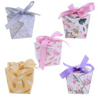 50 stücke Achteckige Bowknot DIY Papier Süßigkeiten Cookie Geschenkbox Valentinstag Hochzeit Gefälligkeiten Partei Pralinenschachtel mit Band
