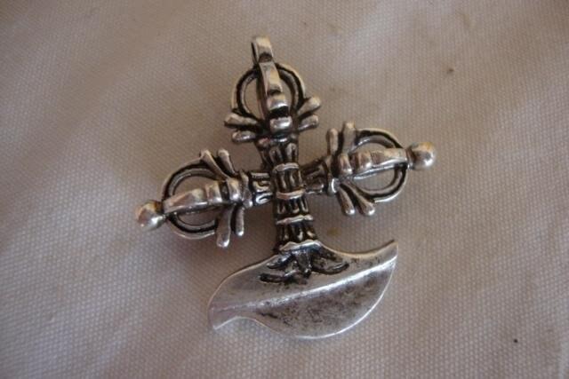 Ev ve Bahçe'ten Statü ve Heykelleri'de Tibet uğurlu gümüş vajra kolye \ takı  şeytani ruhları kapalı  ücretsiz kargo title=