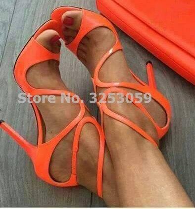 ALMUDENA; женские босоножки из лакированной кожи ярких цветов; цвет оранжевый, золотой, телесный; босоножки с перекрестными ремешками; туфли на шпильке; туфли с пряжкой на ремешке