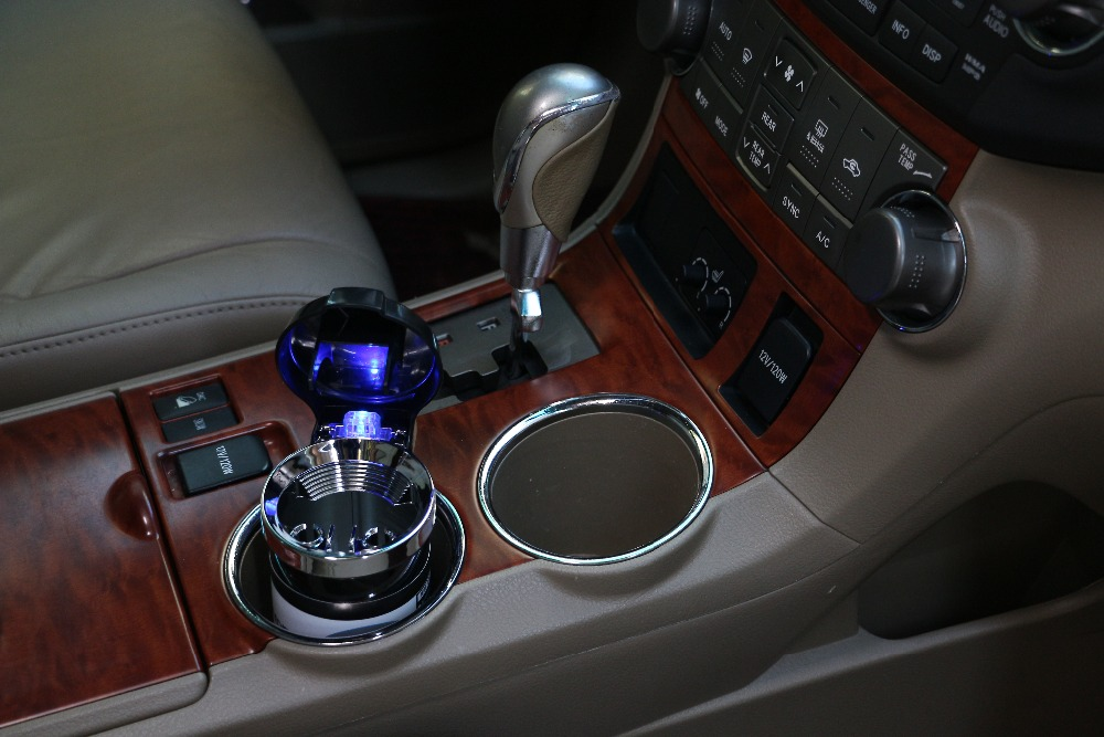 Car Ashtray with LED Light Cigarette Cigar Ash Tray Containe