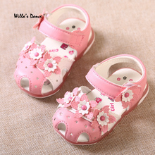 New Arrival 2017 Summer Baby Girls Sandals Brand Soft Leather Toddler LED Shoes Girls Fashion Infants Glowing Shoes