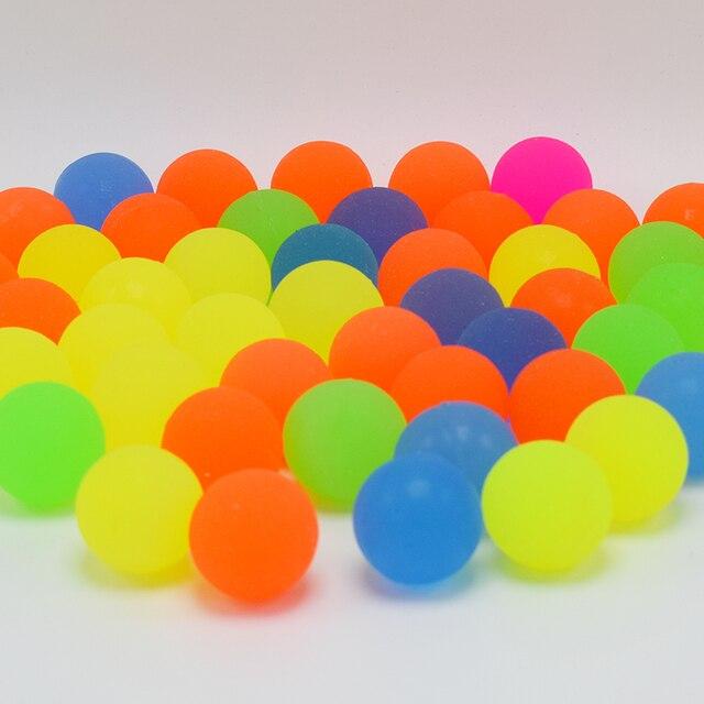 100 ADET Karışık zıplayan top Can Yüzen Su Çocuk Elastik Lastik Top Çocuk Çocuklar Langırt Kabarık çocuk için oyuncak Banyo