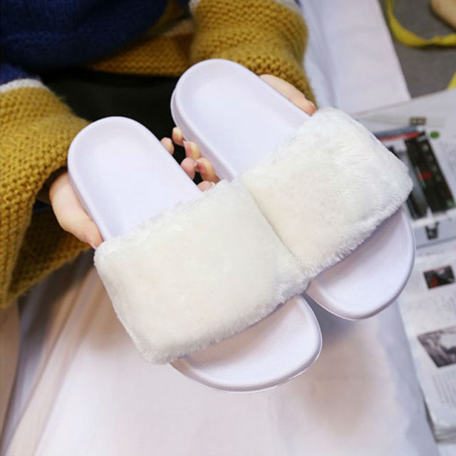 Women Fur Slippers Fashion Flip Flops