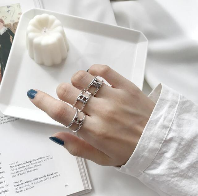 e9815ad564ec 925 anillos de plata esterlina letra K H W para Mujeres Nuevo diseño  encantador niñas regalo de Navidad