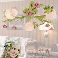 Europese stijl tuin woonkamer Romantische Restaurants wit smeedijzeren roze keramische bloemen glazen lampenkap Plafondlamp c125-in Plafondverlichting van Licht & verlichting op