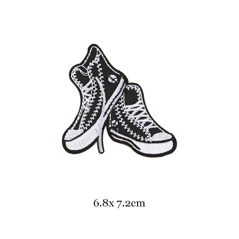 1 шт., черные, белые байкерские нашивки для одежды, железная одежда, аппликация с буквами, Череп, звезда, полосы, вышитая наклейка, круглый значок - Цвет: 18