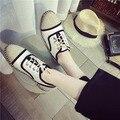 2016 Primavera/Outono Mulher Sapatos Baixos Cabeça Redonda Cor Feitiço Sapatos Rendas Até Sapatos de Lona das Mulheres Casuais Falt Sapatas dos saltos Individuais