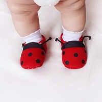 DeLeBao Carino Coccinella di Colore Rosso Per Il Bambino Appena Nato Ragazze Bambini Scarpe Scarpe Primipassi Comodo E Morbido Suola Scarpe All'ingrosso