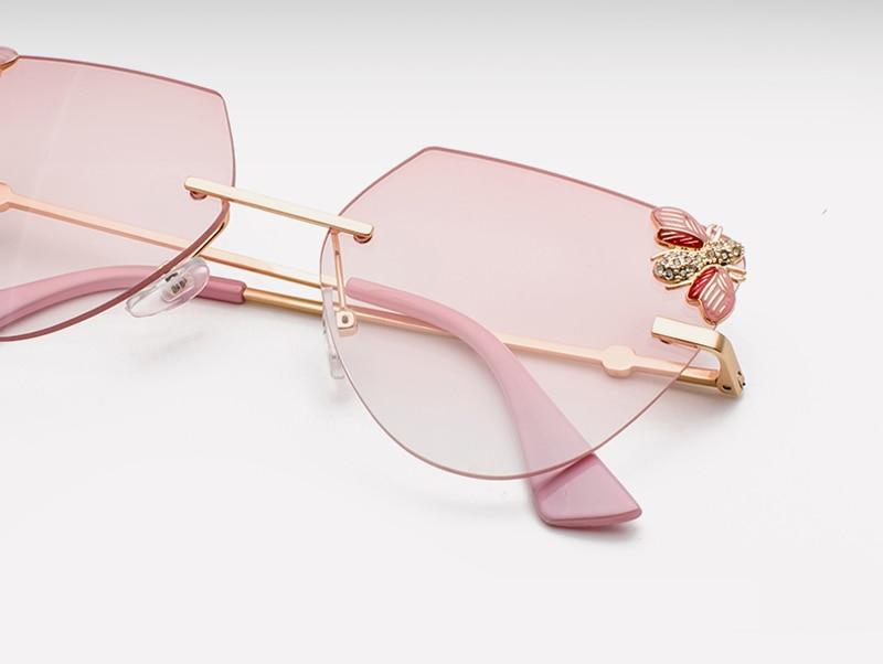 Rhinestone Cat Eye Sunglasses Ladies Triangle detail (2)