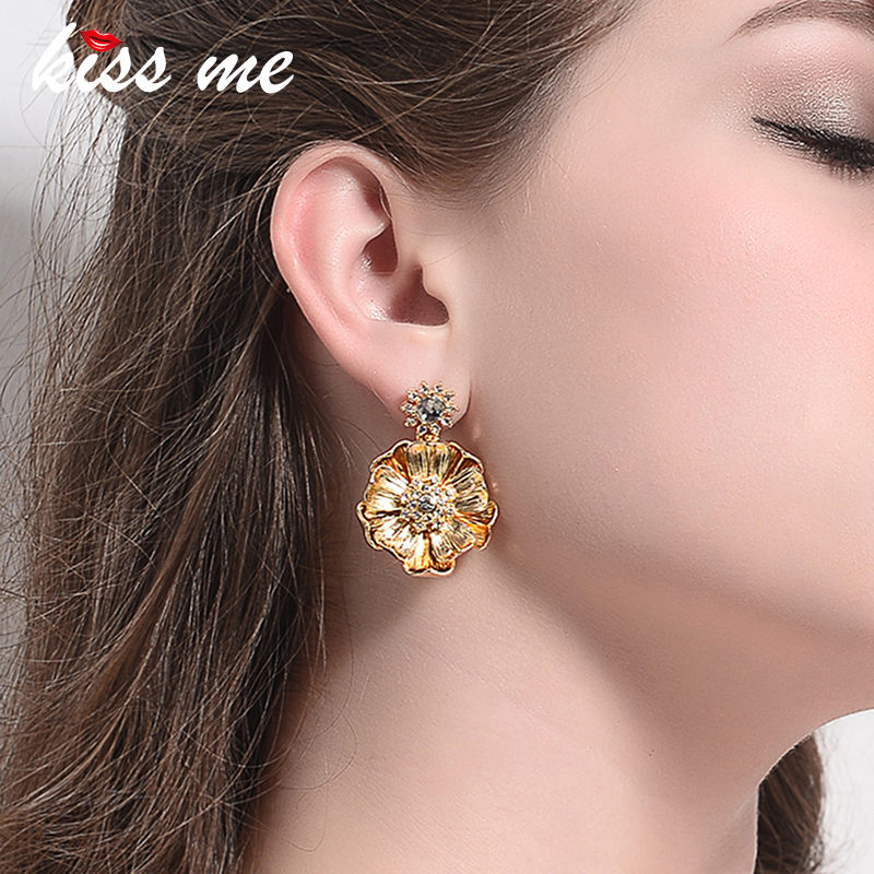 KISS ME Gold Color Alloy Crystal Big Flower Earrings New Design Dangling Drop Earrings Women Party Jewelry