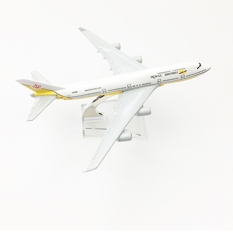US $10 99 40% OFF Royal Brunei Airlines Aeroplane model Boeing 747 airplane  16CM Metal alloy diecast 1:400 airplane model toy for children Free -in