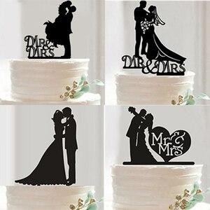 Image 3 - Nova Mr Mrs Decoração Do Bolo de Casamento Topper Acrílico Preto Romântico Acessórios Para O Casamento Favores Do Partido Do Bolo Do Noivo Da Noiva Boda
