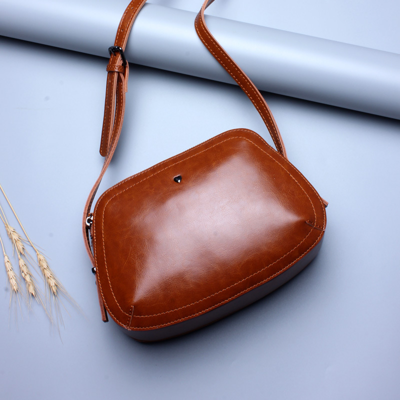 DOYUTIG Women's Genuine Leather Crossbody Bags Small Size Female Real Leather Flap For Shopping Lady Single Shoulder Bags F556