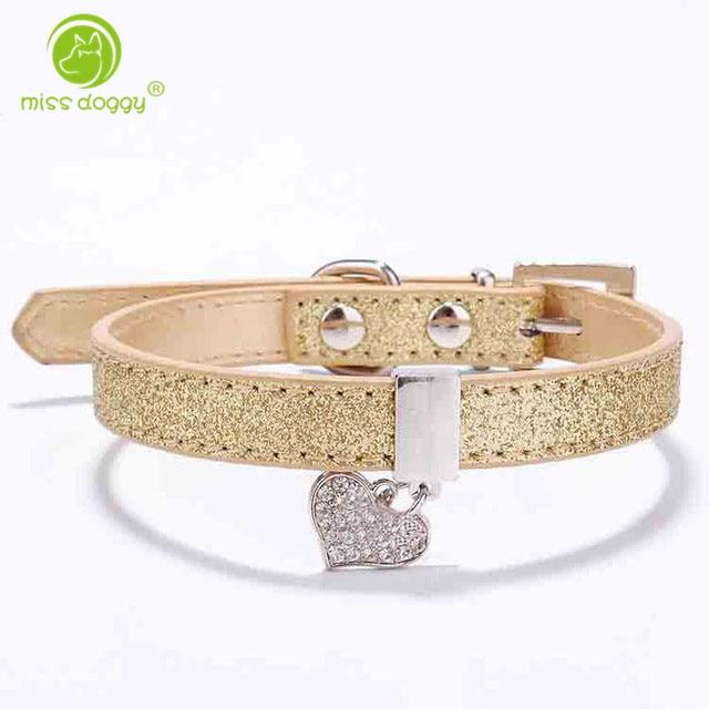 Glitter Pu Leather Dog Collars För Hund valp med Rhinestone Bling Heart Diamond Hänge Storlek XS S 4 Färger