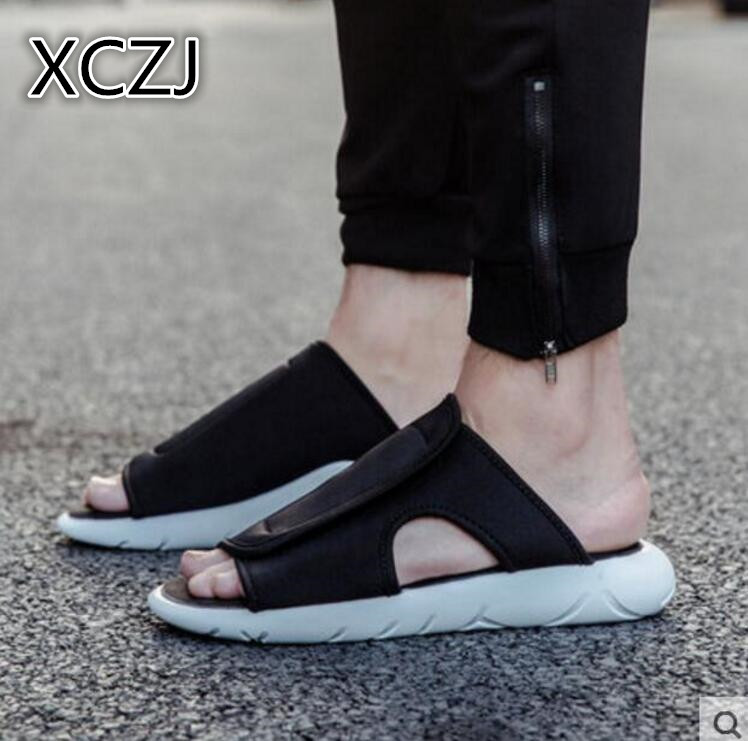 XCZJ Mens Summer Shoes Sandals 2018 New Breathable Men Slippers Mesh Lighted Casual Shoes Outdoor Slip Shoes Beach Flip Flops