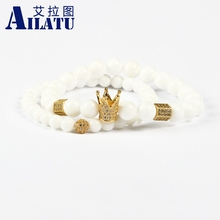 Ailatu מכירה לוהטת תכשיטים סיטונאי 10 סטי 8mm טבעי לבן אבן עם מיקרו פייב Cz כתר זוג צמיד