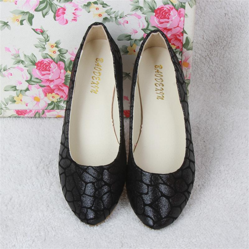 Women Flats Slip On Casual Shoes 2017 Summer Fashion New Comfortable Flat Shoes Woman Loafers Zapatos Mujer Plus Size 35-42 xiaying smile woman flats women brogue shoes loafers spring summer casual slip on round toe rubber new black white women shoes