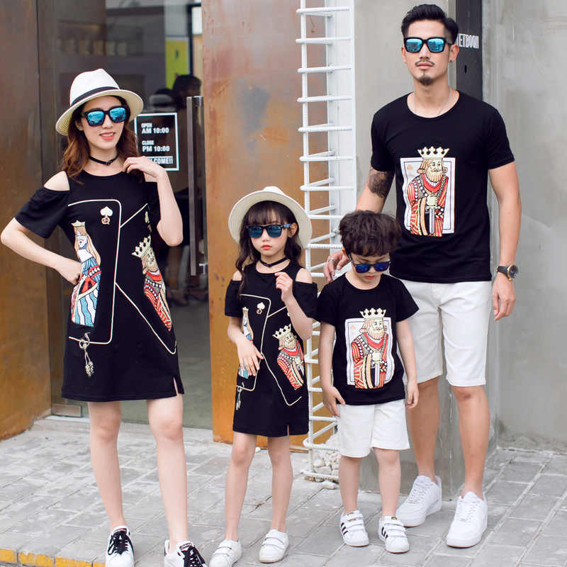 Korean Fashion Parent-Child Dress Summer New 2018 Seaside Mother-Daughter Dress Black Poker Face Cotton T Shirts Family Outfits