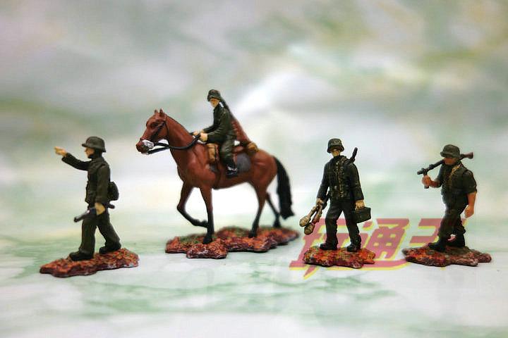 ФОТО 4pcs/set  pvc  figure Mini FO V 1:72 Soldier World War II German cavalry 4 person group Bulk Scene Scene model