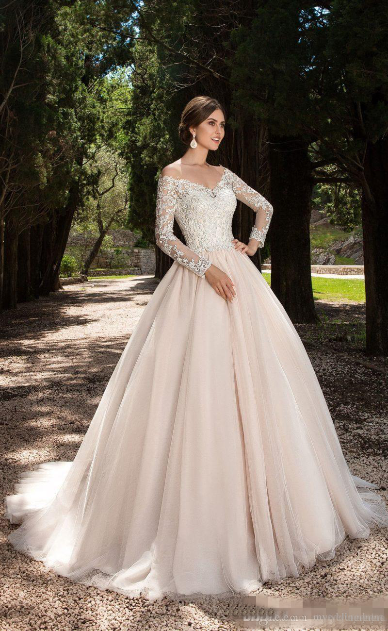 Erfreut Plus Size Brautkleid Stile Bilder - Brautkleider Ideen ...