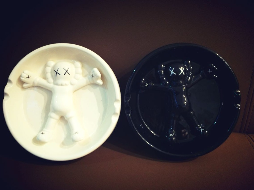 Gallery 1950 OriginalFake KAWS Ashtray Ceramic Ashtray цены