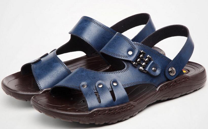 2017 new summer men s fashion font b sandals b font men leather Leisure slippers beach