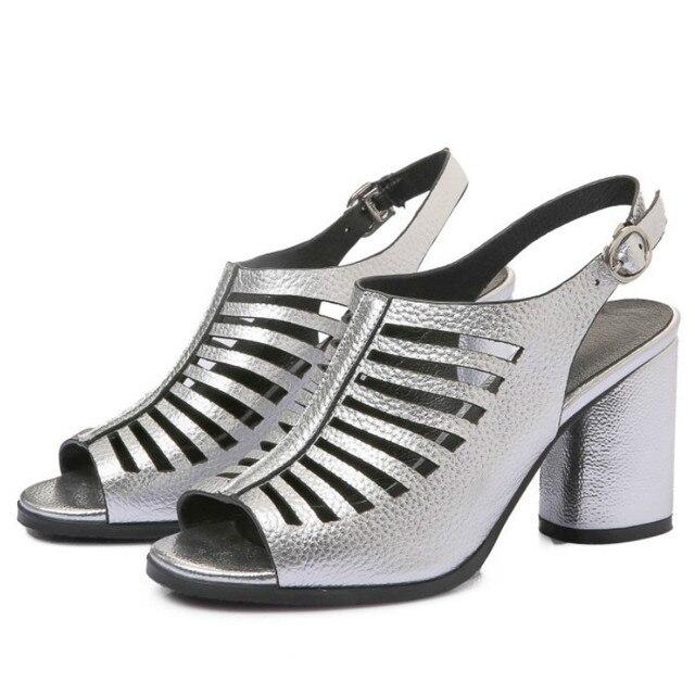 Новое прибытие женщин из натуральной кожи сандалии 2017 зеленый серебряный узкие полосы 7.5 см толстые каблуки Гладиатор Рим стиль летняя обувь