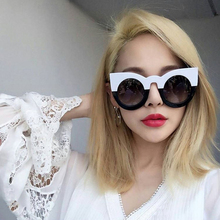 Classic Fashion Sunglasses Women Cat Eye Thick Frame Sun glasses Round Frame Eyewear Coating Mirror Vintage