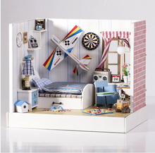 New Arrive DIY Doll House Miniature Dustproof creative manual model Send friends holiday gift of