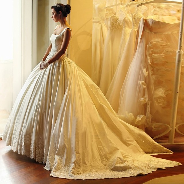 Custom made gold color french lace sweetheart ball gown for Wedding dresses with royal length train