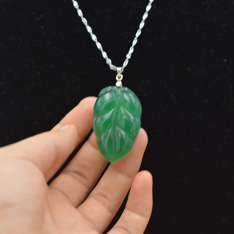 Natural Green Chalcedony Jade Pendant Necklace Carved Water Drop Shape Leaves Agate Pendant Gift For Women's Jade Stone Jewelry