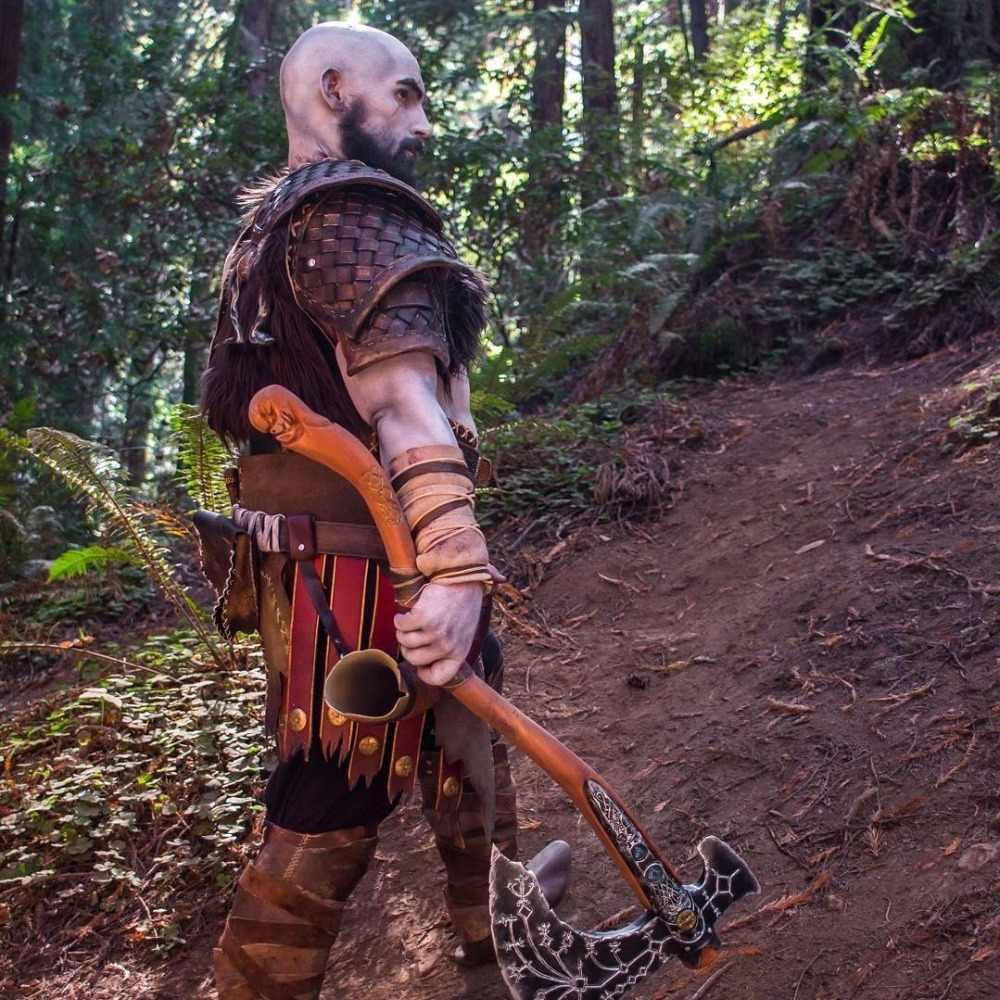 RJ 2019 Hot Game God Of War Kratos Chaveiros 3D 4 Máscara Chaveiro Kui Ye Machado Martelo Faca Armas Modelo Homens Cosplay Do Presente Do Carro