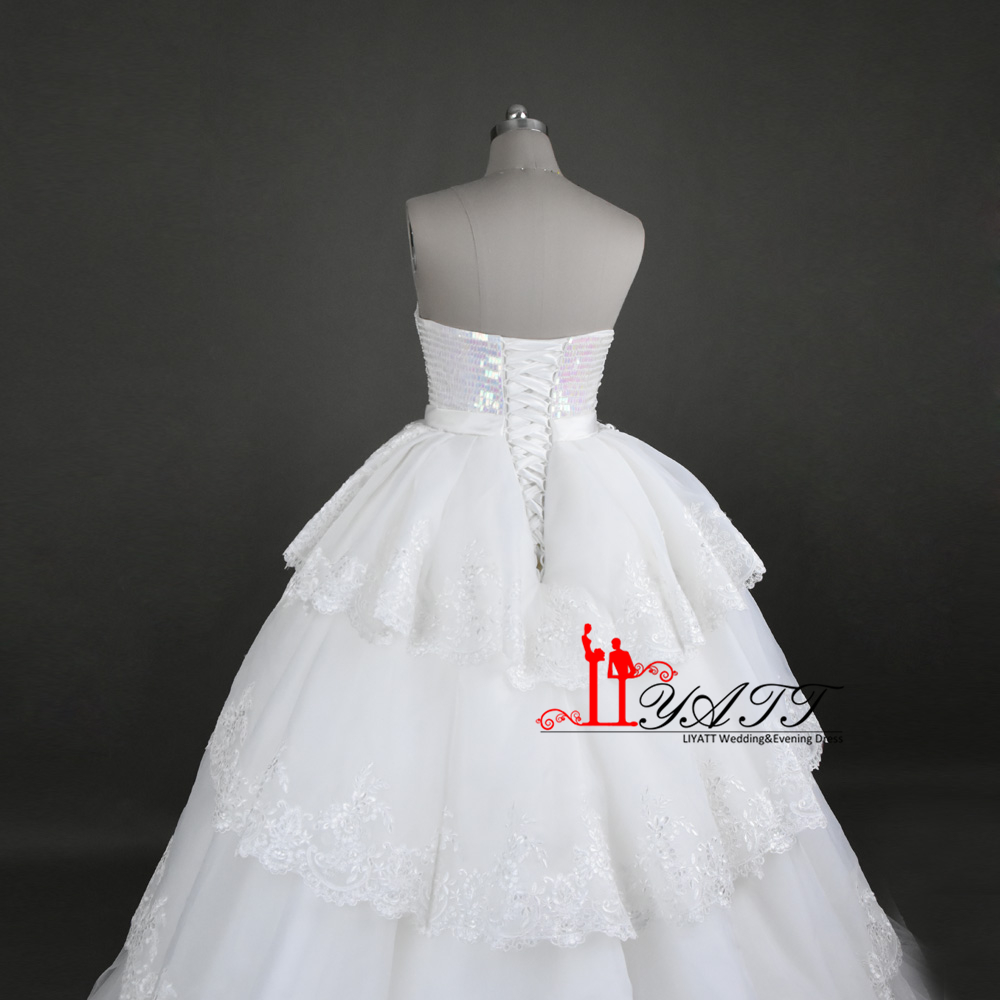 c01e03af60c 2017 Real Photo New Arrival Luxury Amazing Sweetheart Crystal Extra Puffy  Wedding Dresses Lace Up Ball Gown Bridal Gown LIYATT-in Wedding Dresses  from ...