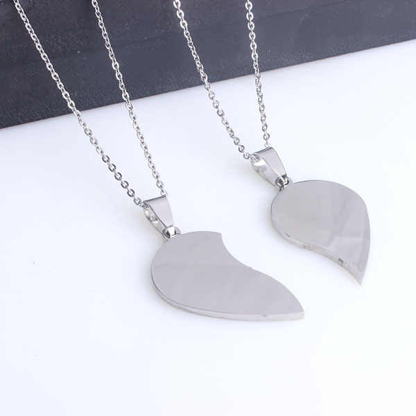 Skyhai Jewelry cheap stainless steel 2 half heart couple necklace gift for girlfriend & boyfriend