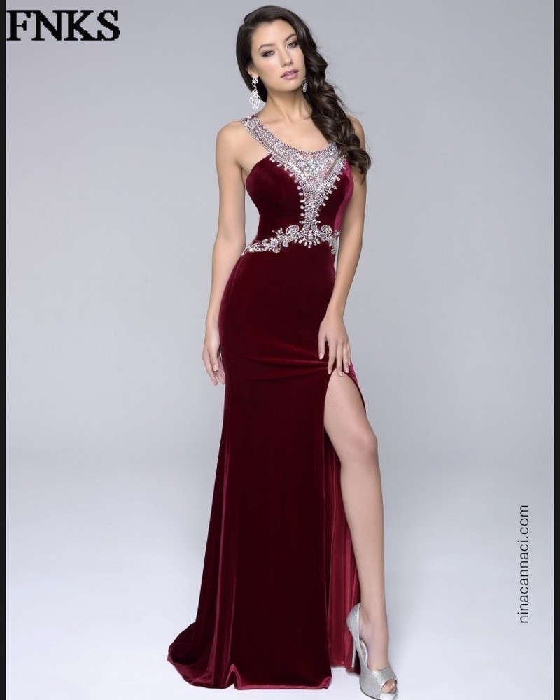 542c68663d9a Elegant Burgundy Velvet Evening Dresses Beading Wide Straps Wine Prom Dress  Split Side Formal Women Party Gown vestidos MM10-in Evening Dresses from ...