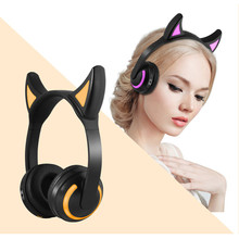 JQAIQ Cat Ear Headset Bluetooth Stereo Flashing Glowing Cat Wireless Headphones Gaming Headset 7 Colors Led Light все цены
