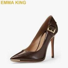 fc2e45d4e Chique De Metal Decoração Mulheres Sapatos De Salto Alto Do Dedo Do Pé  Apontado Bombas Brown/Preto PU Salto Agulha de Couro 10 C..
